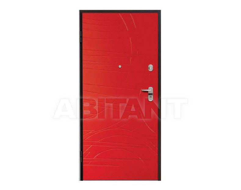 входная дверь красного цвета